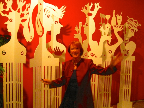 WHO? Edwina Sandys Poses in fron of her Art