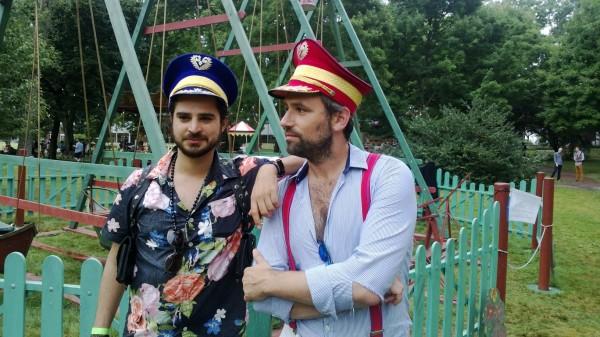 Deux Mecs en fêtent 14 Juillet, Wael et Olivier, Le Bleu et Le Rouge