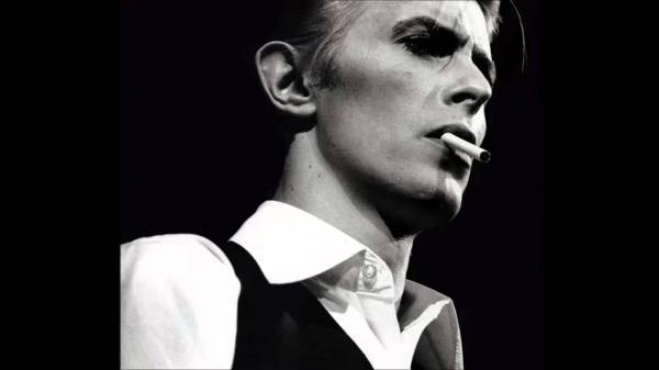 One of my heroes, David Bowie. Beautiful artist, unafraid to be himself, every one of them, every incarnation. Yet, offstage, a simple man. Therein lies the beauty.